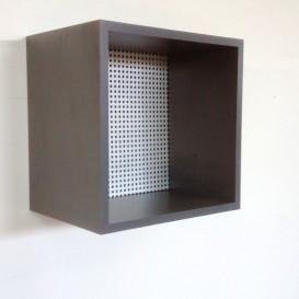 Κύβος Τοίχου με Διάτρητη Λαμαρίνα