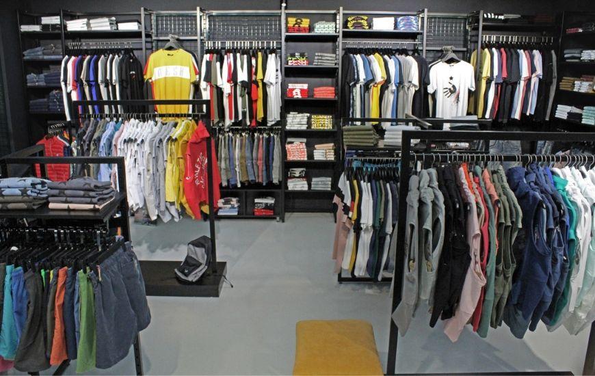 συστηματα κρεμασης ρουχων για εμπορικο μαγαζι ενδυσης