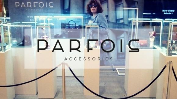 Φωτιζόμενες Βιτρίνες για Αξεσουάρ Μόδας Parfois
