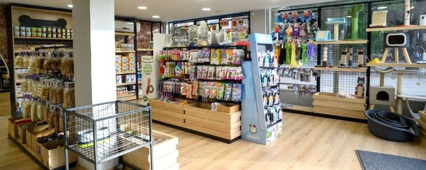 Κατασκευή Επίπλωσης για Ανακαίνιση Pet Shop